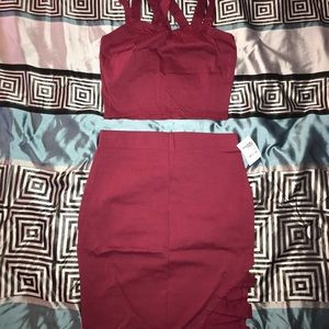 Dresses & Skirts - Sexy little burgundy two piece